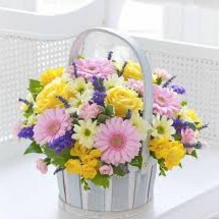 Panier de fleurs fraiches
